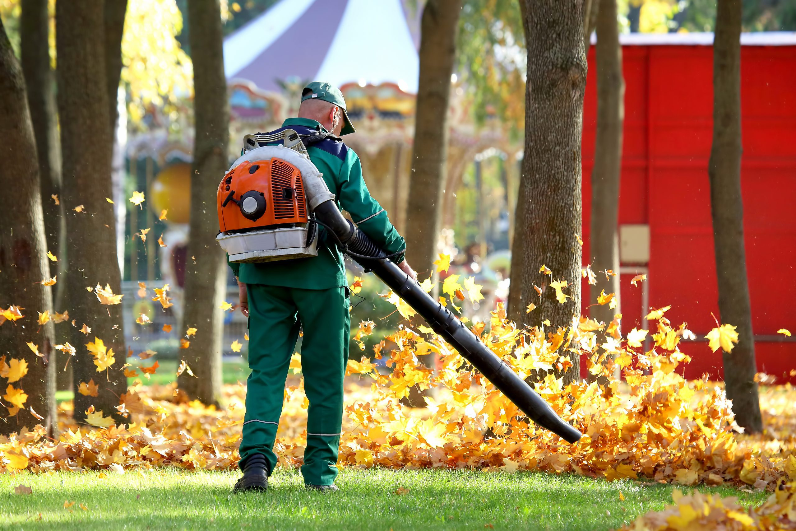 yard cleanup services leaf removal spring cleanup fall cleanup service tulsa collinsville ok broken arrow bixby jenks oklahoma